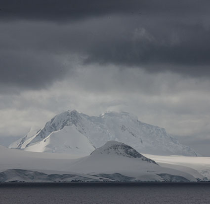 This image has an empty alt attribute; its file name is 02_Antarctica-CLXXII-2014.jpg
